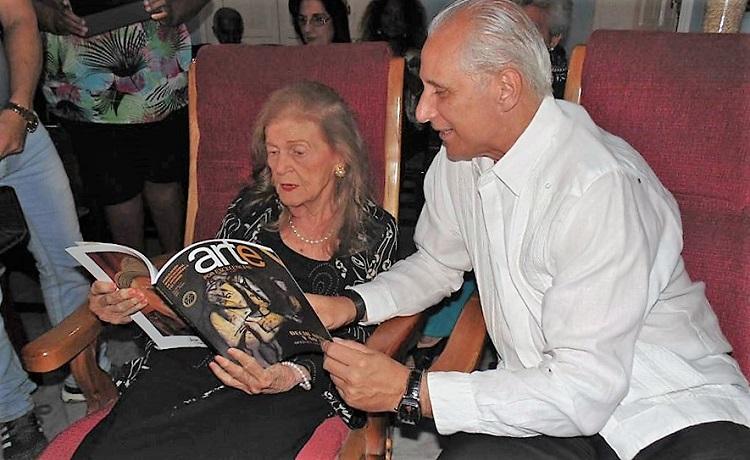 """Carilda Oliver Labra: """"Yo seguiría viva toda la vida y toda la muerte"""""""
