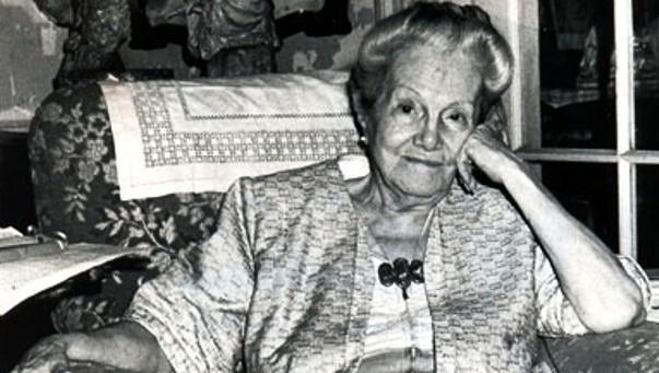 Dulce María Loynaz: Versos podados por manos de mujer