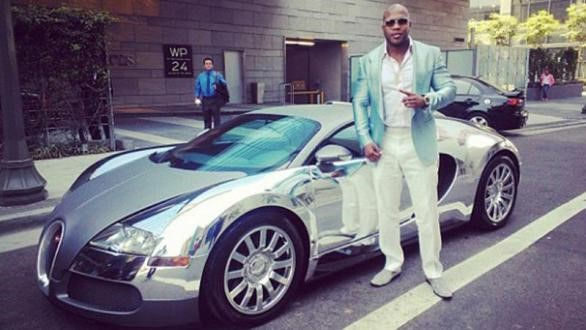 Roll with Art. Rapper FLO RIDA and his Bugatti Veyron