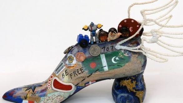 Artistas encuentran la horma de su zapato