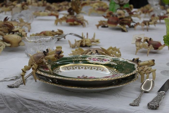 Intervención de Théo Mercieren el Museo de Artes Decorativas de La Habana