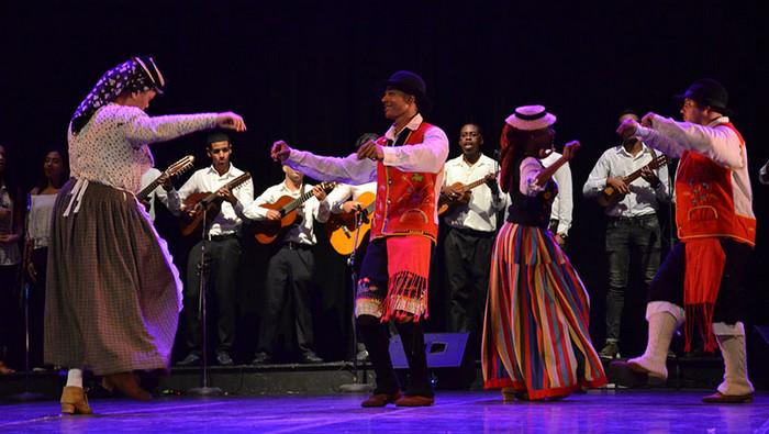 Un abrazo desde la danza de Canarias a Euzkadi