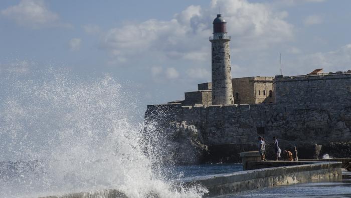 Si La Habana no existiera, yo la inventaría: El Malecón
