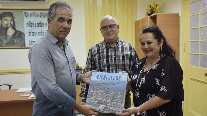 Grupo Excelencias presenta revista por bicentenario de Cienfuegos