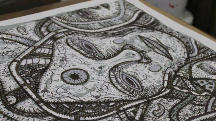 López Oliva´s serigraphy is printed to open screen