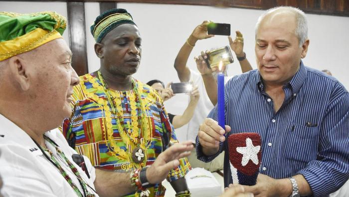En el Festival del Caribe, encuentro con ministro de cultura