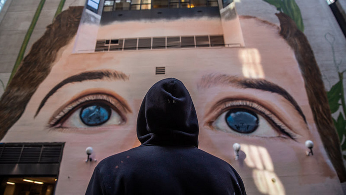 Jorge Rodríguez-Gerada paints the biggest mural in Ny City