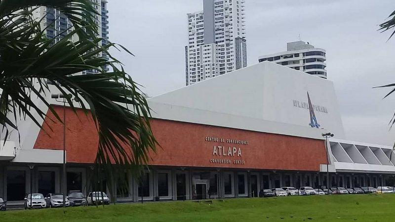Entra en su cuarto día la Feria Internacional del Libro de Panamá