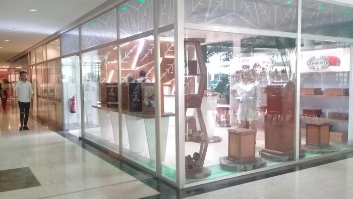 Inauguran tienda de humidores artísticos en el Hotel Habana Libre