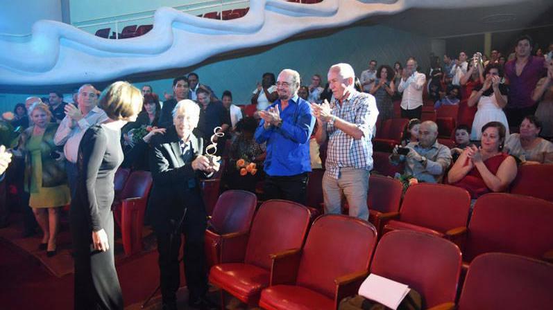 Enrique Pineda Barnet: Premio Excelencias Cuba