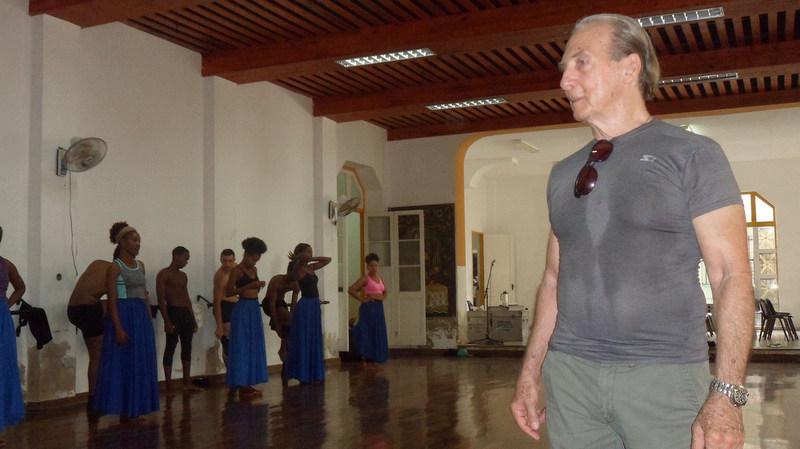 Alberto Méndez de estreno con el Conjunto Folklórico Nacional