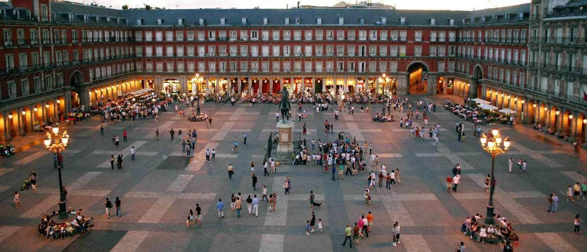 El Ayuntamiento de Madrid, Samsung y PHotoESPAÑA celebrán el IV centenario de la Plaza Mayor con Retrátate