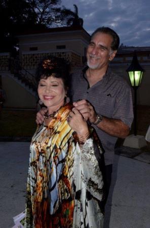 Zaida del Río junto a René González, Héroe de la República de Cuba