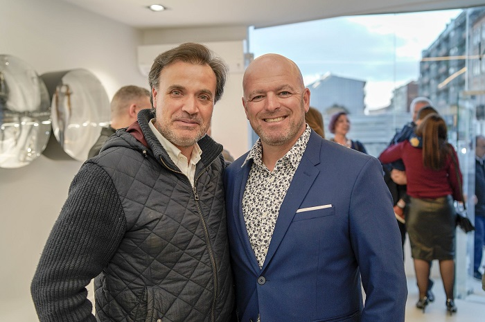 The gallerist Nuno Sacramento, on the right, in a blue jacket