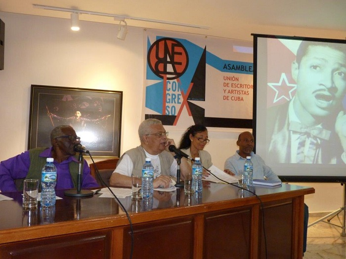 José Reyes Fortún, considered the deepest connoisseur of the history of Cuban musical phonography, participated in the conference dedicated to Benny's centenary