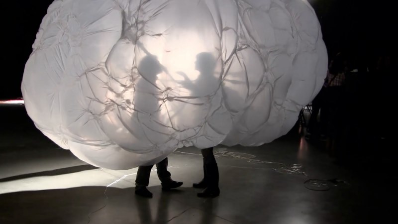 Olga Diego-performance 'The bubble woman show'