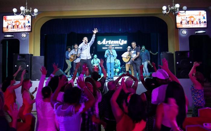VIsta de la actuación en Artemisa, gira nacional