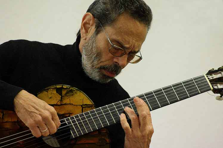 Leo Brouwer to Be Decorated by Argentinean University