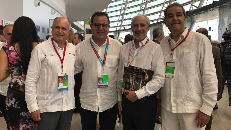 Se reconoce al presidente Enrique Peña Nieto con los Premios Excelencias México