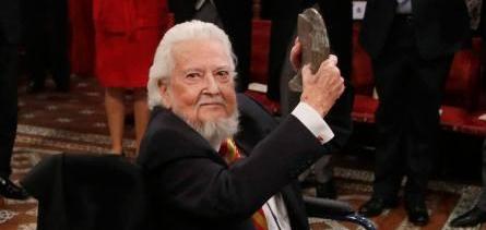 Escritor mexicano Fernando del Paso recibe Premio Cervantes