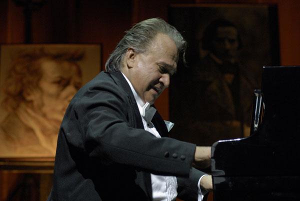 Relevante pianista cubano Frank Fernández anuncia gran concierto