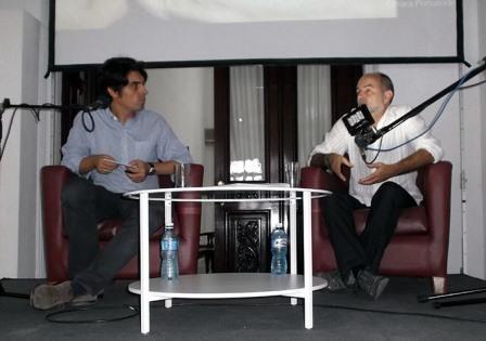 Héctor Garrido iluminado