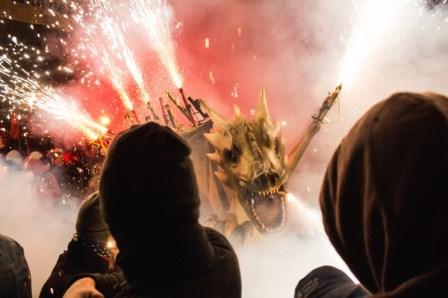 Una foto sobre los 'correfocs', ganadora del concurso de fotografía Palma365