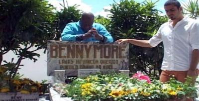 Johnny Ventura rindió tributo a Benny Moré