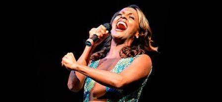 Elogian concierto de cantante cubana Yaíma Sáez en Canadá