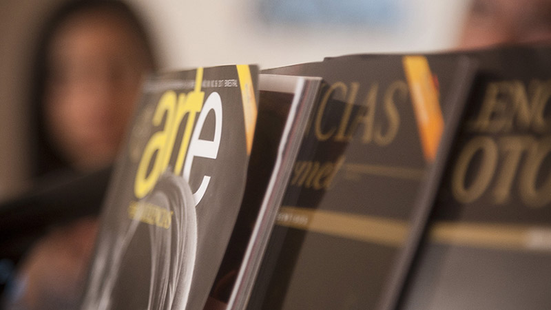 Grupo Excelencias presenta sus revistas en la FIL